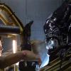 Ellen Ripley in power lifter fights Alien Queen